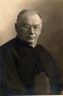 Pfarrer-Josef-Heigl Bild 11